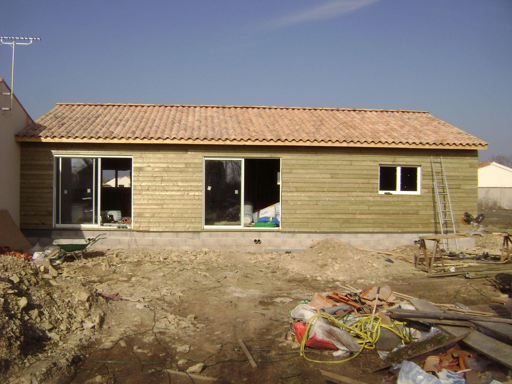 Fin du parquet isolation des murs et debut bardage - Cree ma maison en 3d gratuitement ...