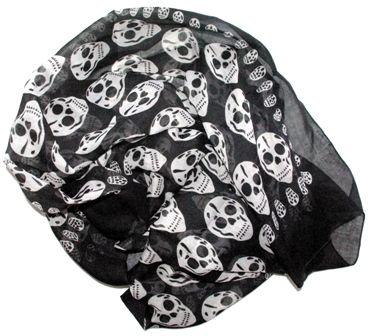 99e4bcf425e Le foulard Tête de mort c est tendance ou pas.