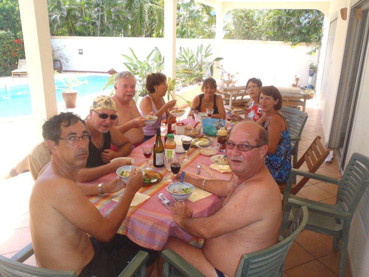Toujours les bons repas for Repas convivial entre amis