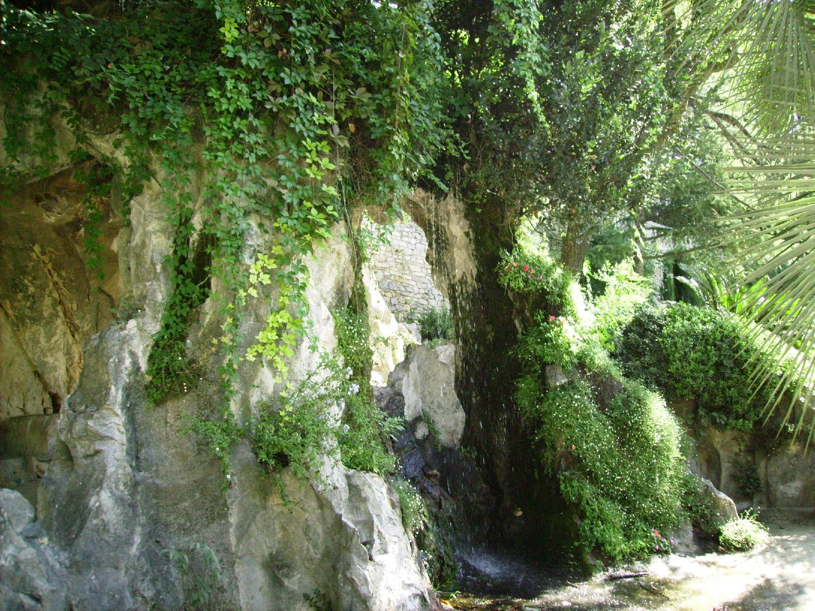 Nimes ma ville le blog objectif2008 - Jardin des fontaines nimes ...